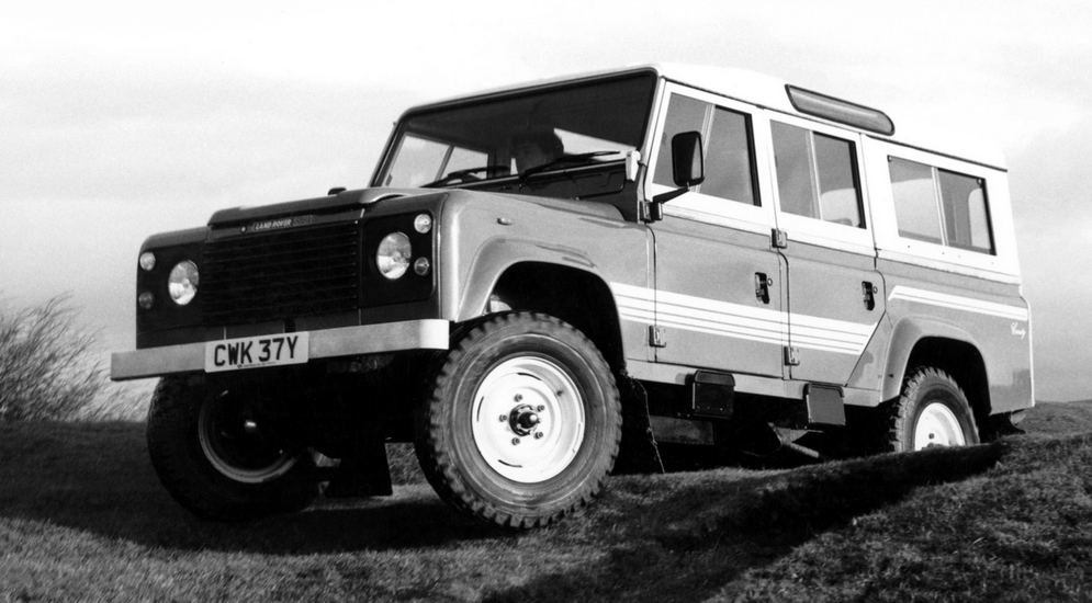 4land_rover_110_county_station_wagon_6.jpeg